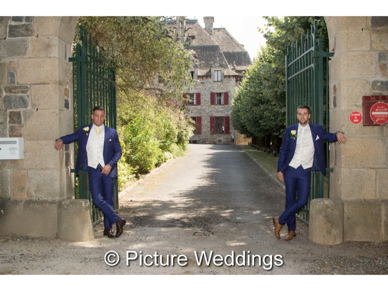 Château-du-Doux-Mark-And-Claires-Wedding-14