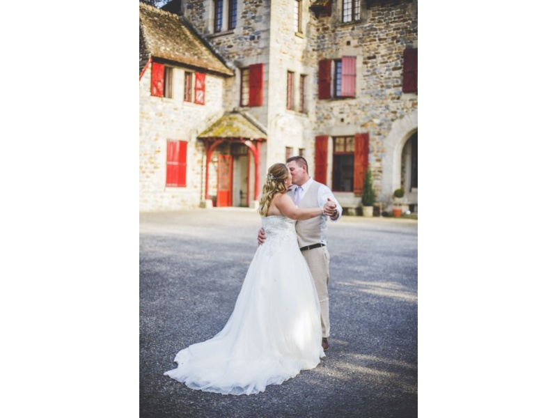 Château-du-Doux-Melissa-And-Matts-Wedding-20