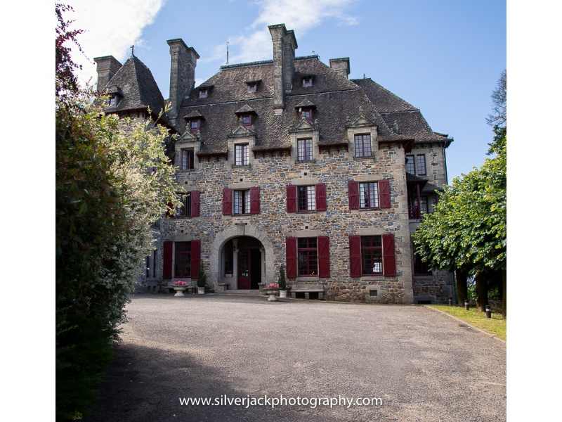 Château-du-Doux-Victoria-And-Adams-Wedding-8